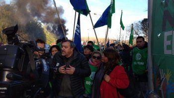 paro nacional: gremios rionegrinos iniciaron la movilizacion hacia los puentes carreteros