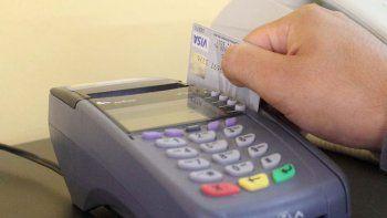 Los comercios están obligados a aceptar el pago con débito.