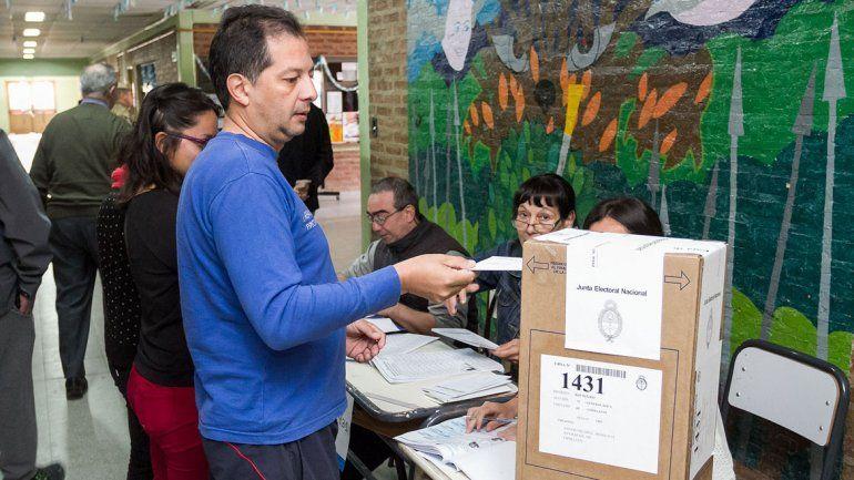 El voto parroquial está en la Justicia electoral nacional