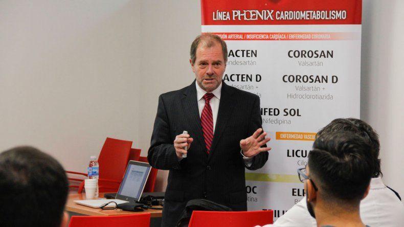 El médico especialista Gabriel Waisman brindó una charla en Cipolletti.