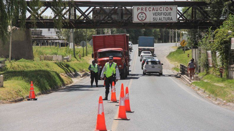 Trabajaron rápidamente para reparar el puente y reanudar el servicio del tren.