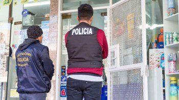 Policías y penitenciarios también quieren que les adelanten las subas.