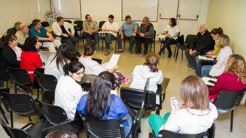 Trabajadores de diversos hospitales se reunieron para avanzar con el proyecto.