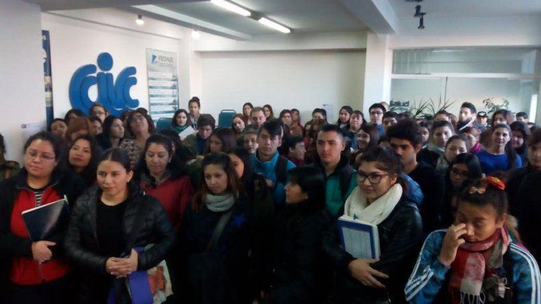Muchos jóvenes se anotaron para la formación en distintos oficios.