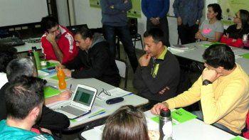 Los referentes de cada colegio participan de un taller provincial.