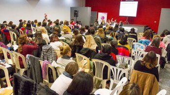 Discuten cómo combatir el abuso sexual infantil
