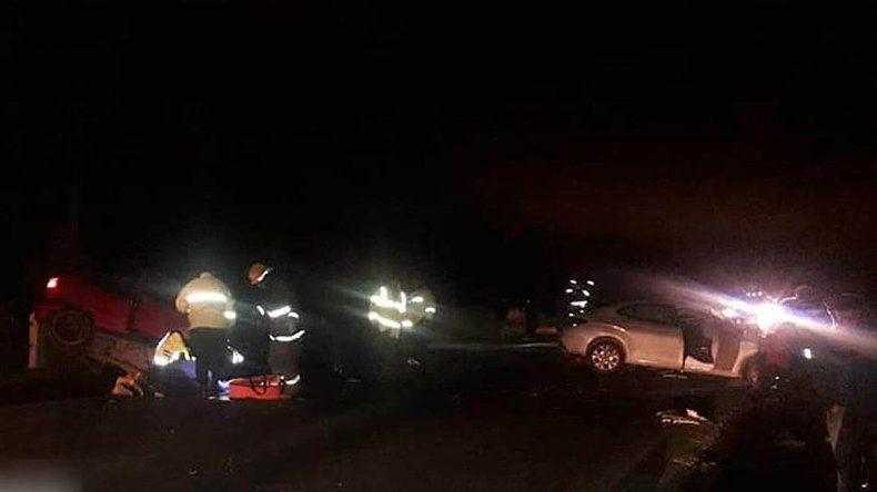 Quiso realizar un sobrepaso en la Ruta 22 y chocó de frente: hay dos muertos y cinco heridos