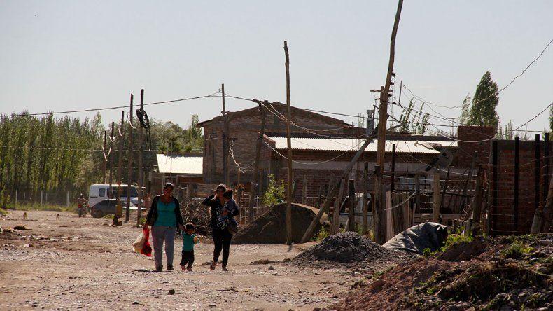 En los asentamientos expropiados procuran una pronta urbanización.