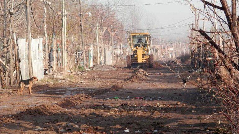 Arreglan las calles en los barrios 2 y 10 de Febrero