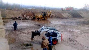 El DPA prepara los canales para el riego de las chacras