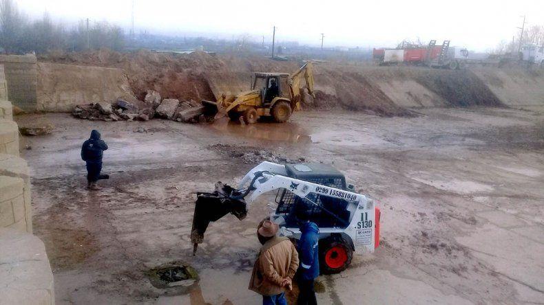 El DPA prepara los canales para el riego de chacras