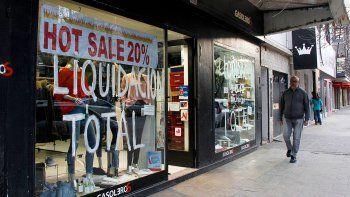 Los descuentos que realizaron muchos comercios de la ciudad la semana pasada les hicieron levantar las ventas.