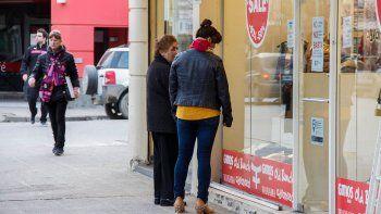 noches de fuego: negocios abiertos hasta la medianoche para incentivar las ventas