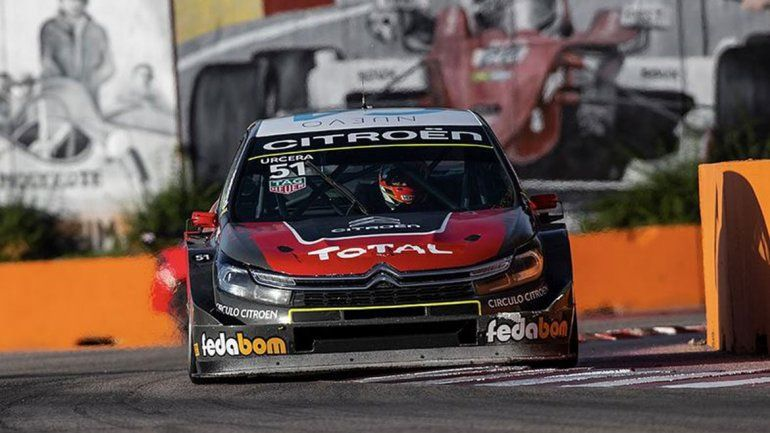 Urcera arriba del Citroën otra vez.