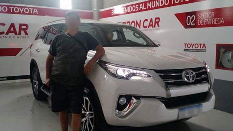 Delincuentes le robaron la camioneta a un médico y la abandonaron en Neuquén