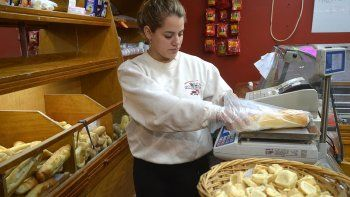 En los locales de la panadería se ha ampliado la oferta de productos, con exitosas consecuencias para salir de la crisis.