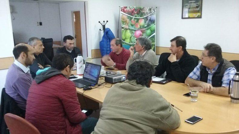 Provincia y chacareros discuten un plan de pagos