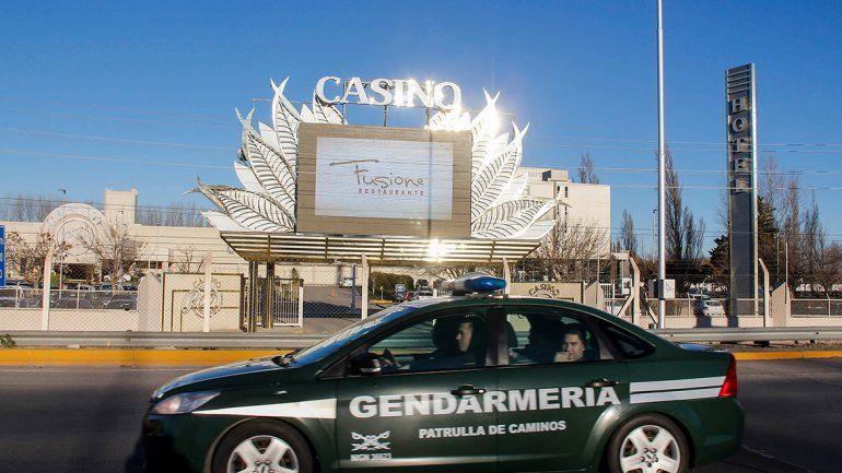 Le robaron el auto a una abuela cuando estaba en el casino