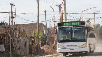 El aumento en el transporte urbano pega fuerte en los usuarios pobres.