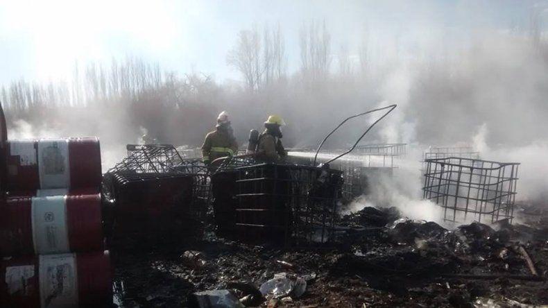 Se incendió una fábrica de chacinados en Fernández Oro