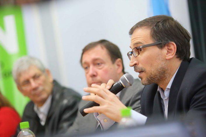 Los créditos fueron anunciados por el gobernador Weretilneck y el ministro de Economía