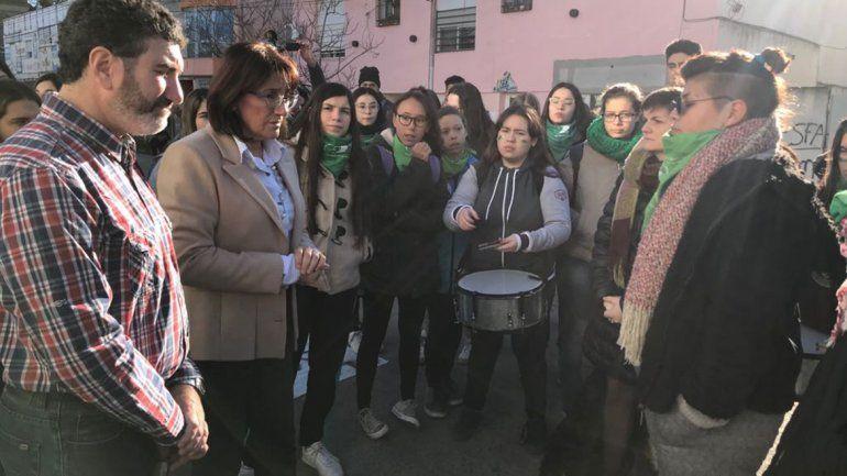 El debate del aborto llegó a las escuelas rionegrinas y podría promoverse a todo el país