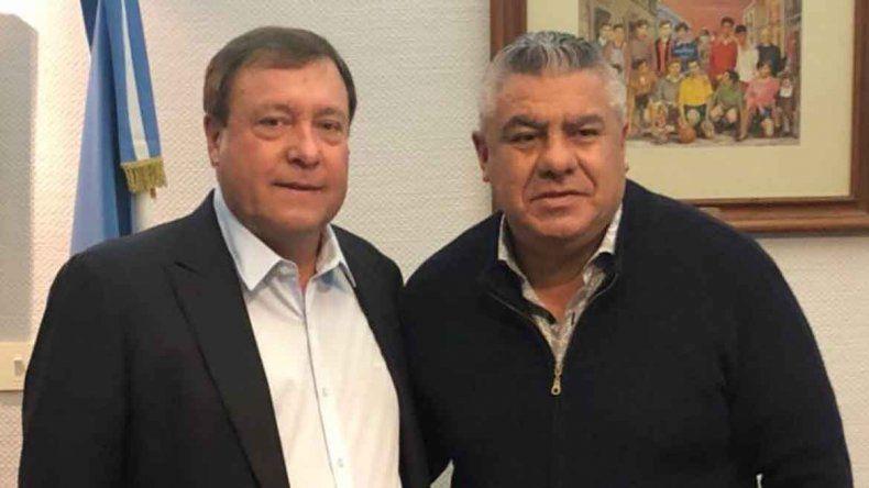 Weretilneck encabezó una comitiva patagónica a AFA y aseguró la visita de Tapia a Cipolletti para el lunes 20.