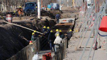 El trabajo permitirá enterrar 2,7 kilómetros de desagüe pluvial.