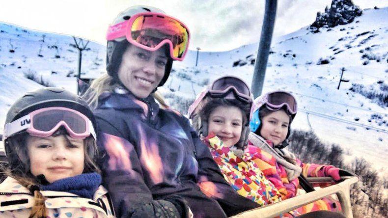 Nicole viajó a Bariloche con sus hijas y su novio
