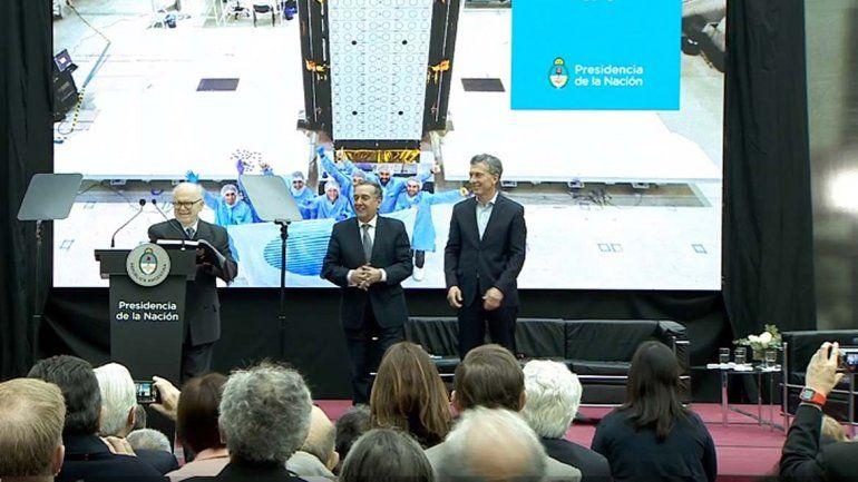 El presidente Macri presentó el nuevo satélite del Invap fabricado en Río Negro