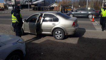 cayo en la ruta 22 con un auto robado en neuquen