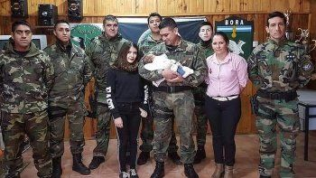 Efectivos le salvaron la vida a una beba de 2 meses que no respiraba
