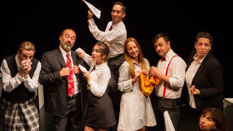 La Caja Mágica festeja con teatro
