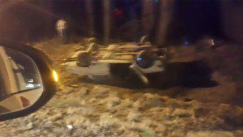 un joven de 23 anos murio en un brutal vuelco en villa manzano
