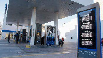 Los precios fueron remarcados ayer en las estaciones de servicio cipoleñas.