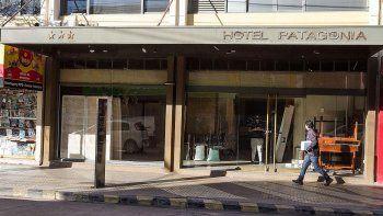 cerro el historico hotel patagonia: los constantes piquetes fundieron el negocio