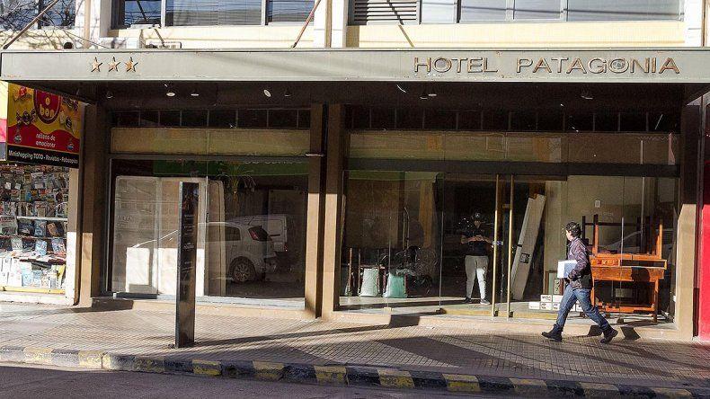 Cerró el histórico Hotel Patagonia: los constantes piquetes fundieron el negocio
