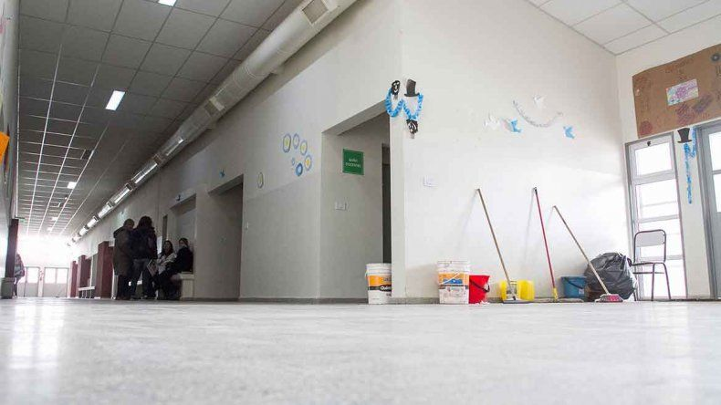 Los padres no enviaron a sus hijos a clases por la falta de limpieza.