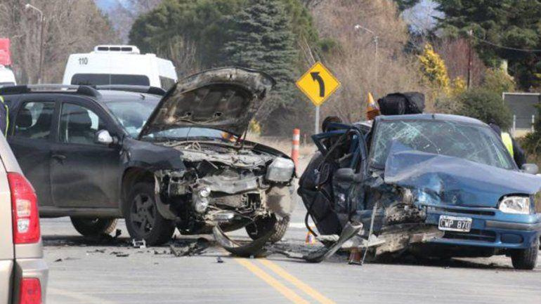 Una familia cipoleña sufrió un brutal choque frontal en Bariloche