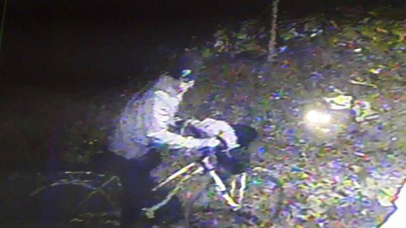 Intentó robar en una casa, llegó el dueño y le tiró el auto encima para detenerlo