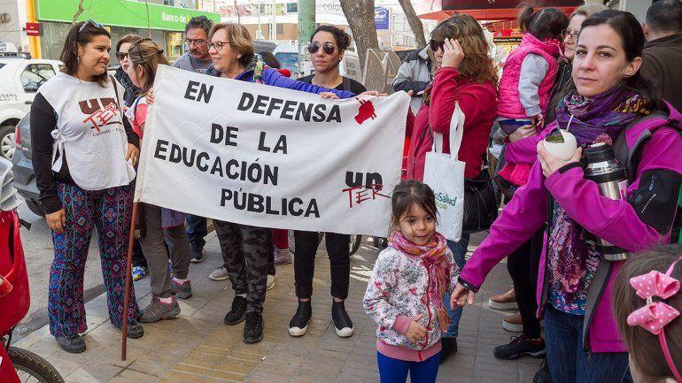 Docentes cipoleños reclamaron contra la quita de la Zona Austral en la Patagonia