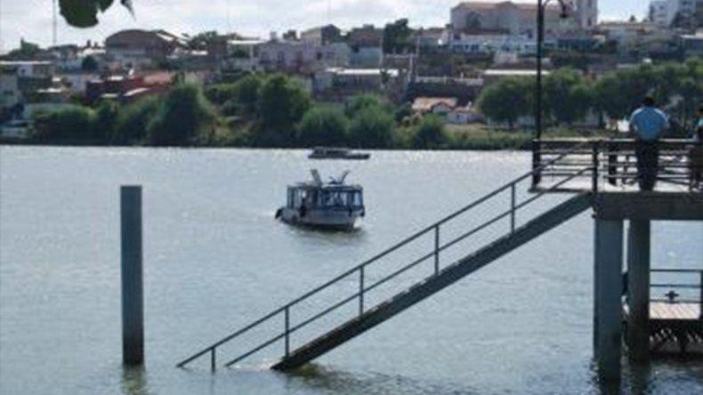 Hallaron el cuerpo de un hombre flotando en el río en Viedma