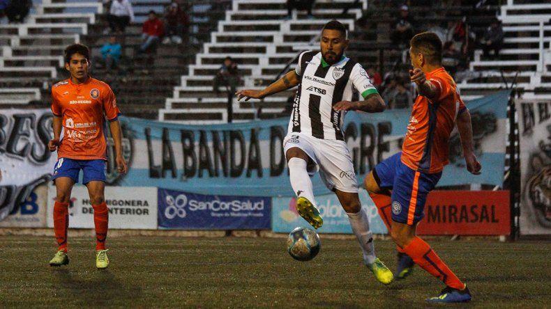 La Bestia Herrera volvió a marcar con la camiseta de Cipo