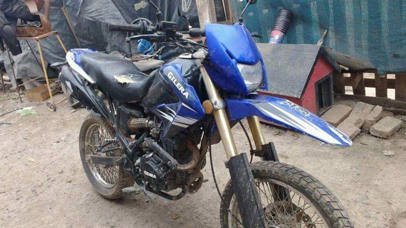 Le robaron la moto y tuvo que pagar $3 mil para recuperarla