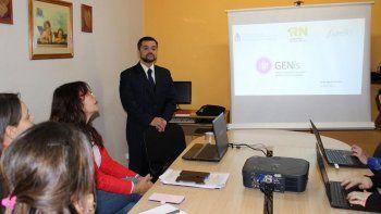 Comenzaron a capacitar a los operadores del Laboratorio Regional de Genética Forense, que funcionará en Bariloche.