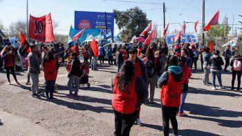Protestaron en el puente contra el ajuste del Gobierno Nacional