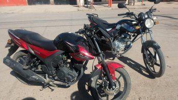 Manejaba una moto robada por el barrio Villarino y lo detuvieron