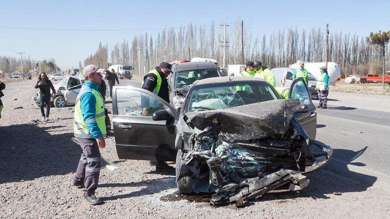Una mujer está internada en grave estado de salud tras el triple choque en Ruta 22