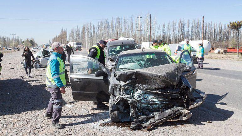 Ruta 22: un choque múltiple dejó tres heridos graves