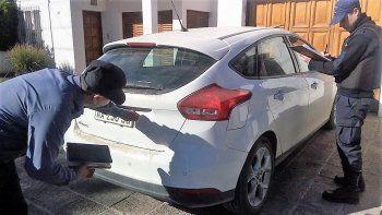 Secuestran auto de alta gama abandonado en El Manzanar